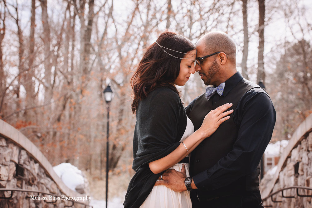 gorgeous-winter-elopement-in-virginia-beach-bride-and-groom-in-the-snow-by-melissa-bliss-photography.jpg
