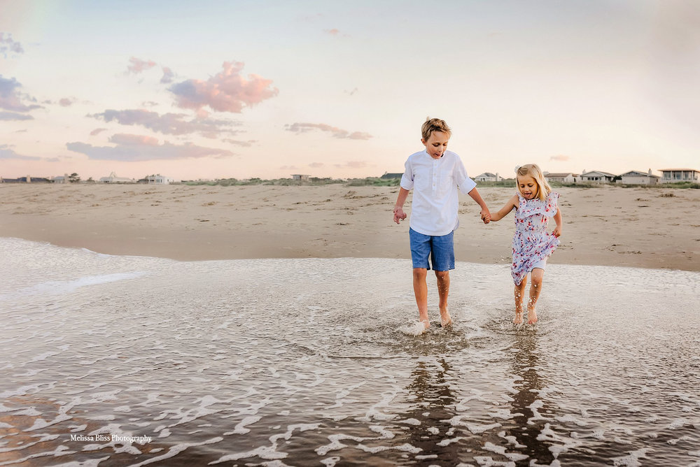 virginia-beach-lifestyle-photographer-family-beach-session-melissa-bliss-photography.jpg