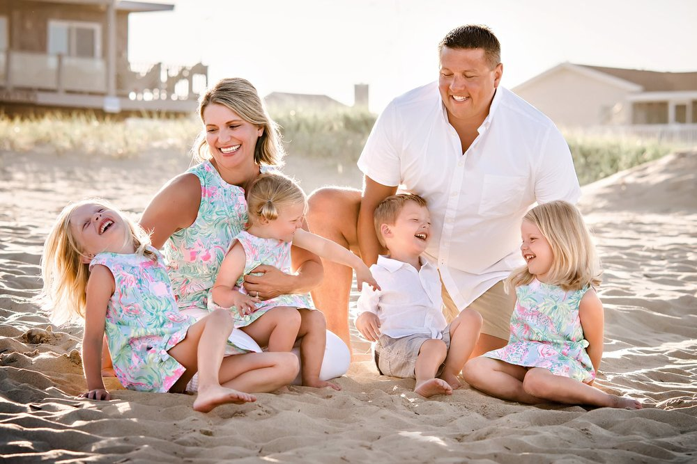 family-photo-on-sandbridge-beach-melissa-bliss-photography-va-beach.jpg