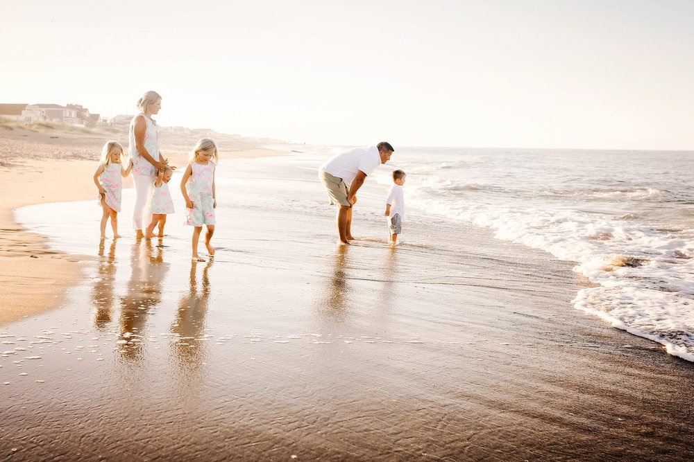 family-beach-photos-in-sandbridge-virginia-beach-photographer-melissa-bliss-photography.jpg