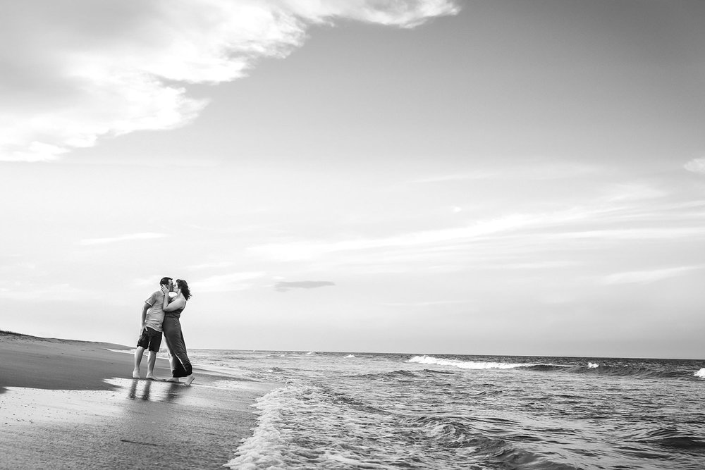 virginia-beach-engagment-pictures-melissa-bliss-photography.jpg
