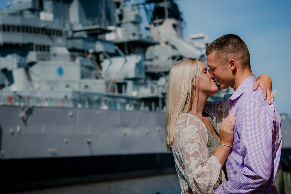 engagement-session-norfolk-waterfront-waterside-district-melissa-bliss-photography.jpg