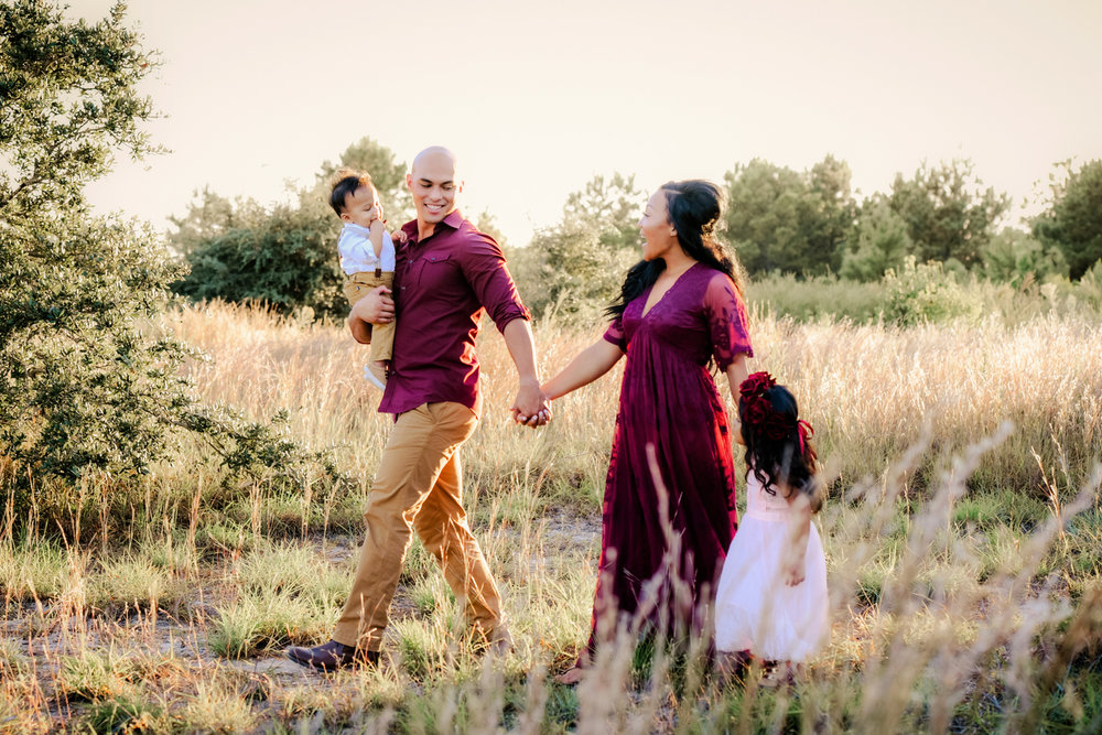 virginia-beach-fall-family-photos-melissa-bliss-photography.jpg
