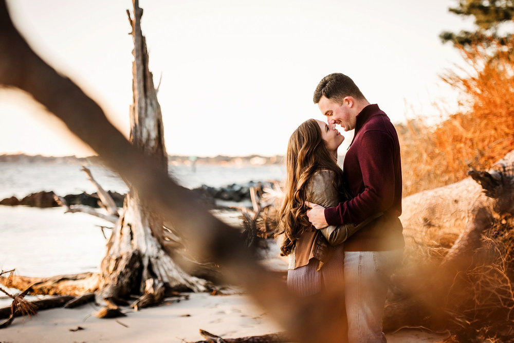 creative-engagement-photos-melissa-bliss-photography-va-beach-photographer.jpg