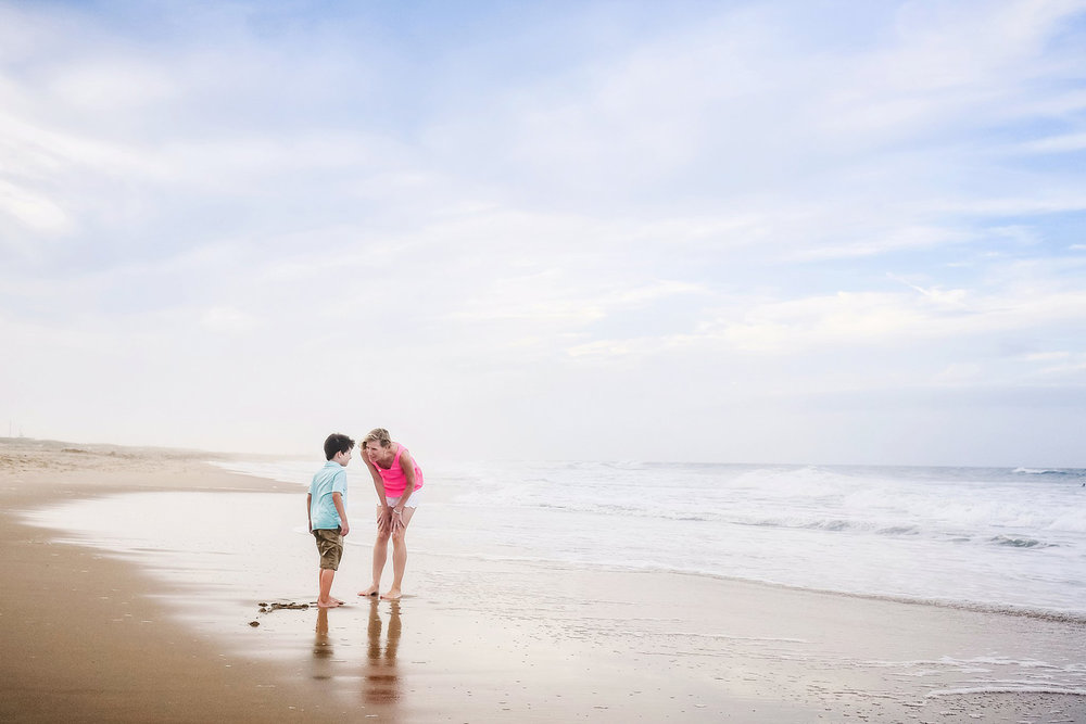 mother-and-son-candid-beach-photo-melissa-bliss-photography-va-beach.jpg
