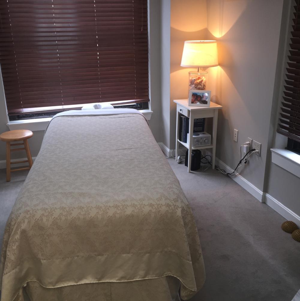 Boston Massage Room 137 Newbury Street, Boston, MA 02116