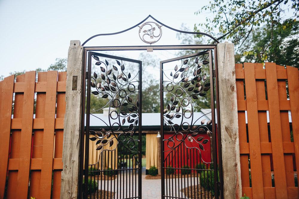 Magnolia.House.Garden.9.30-31.jpg