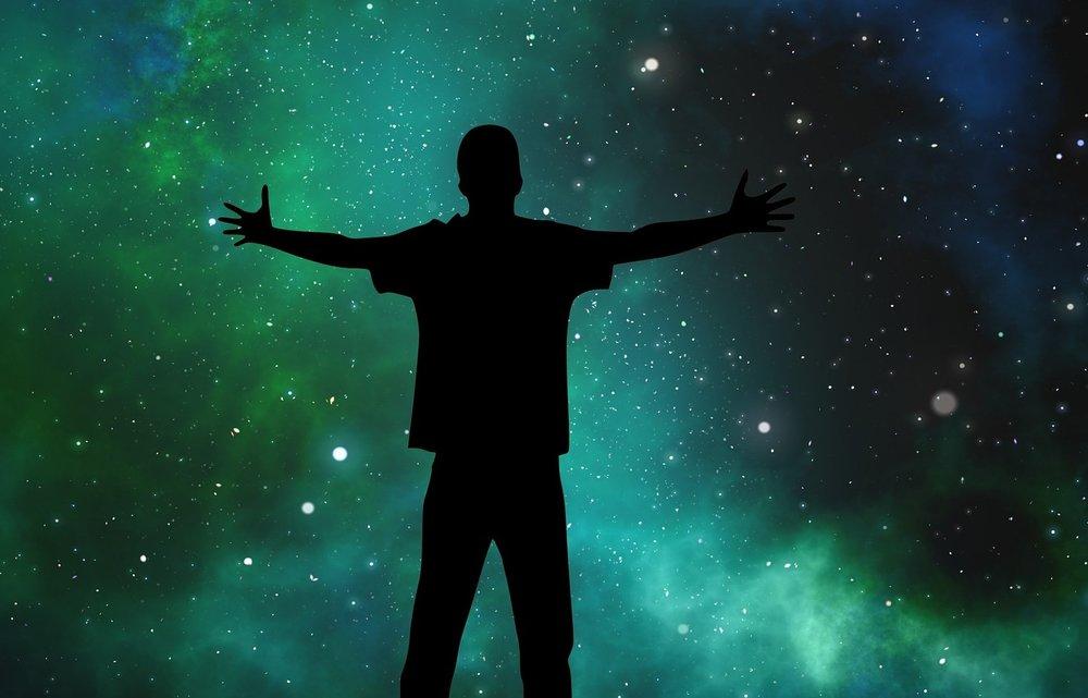 Mann ser ut i universet.jpg