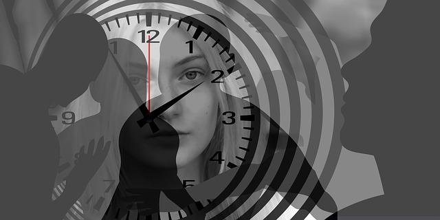 Kvinne fanget i tiden