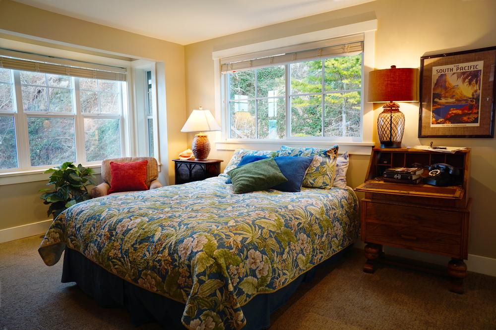 Master Bed ed.jpg