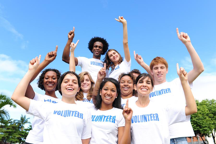 volunteersss.jpg