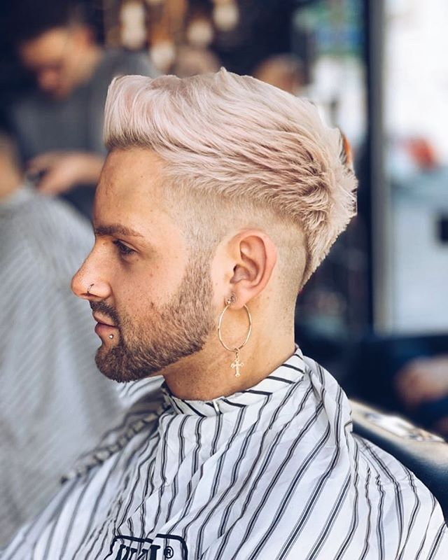 Hint of pink 💞✌🏼 . 🎨✂️ @captain_cutthroat 📍NQ . . . . #barber #barbershop #barberlife #haircut #beard #hairstyle #fade #barbergang #barberlove #menstyle #beardlife #razor #barberstyle #mensstyle #barbering #menshair #skinfade #manchester #mcr #barbersmanchester #manchesterbarbers #barbers #keepitclose #essentials #paddysday #cutthroat #shave #cutthroatshave #freshtrim #closemalegrooming