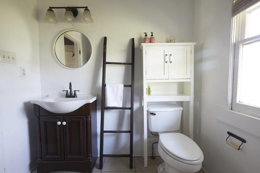 BathroomMakeover07.jpg