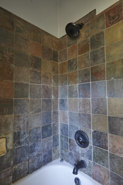 BathroomMakeover12.jpg