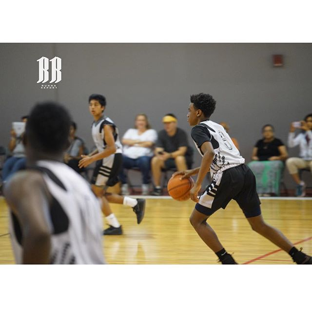 🏃🏿 2021 PG Justin Wilson #emergingprospects #rrplayerindex2021 #30 averaged double digit assists in 5 games in Orlando. Veteran scout, coach of USA U23 and basketball insider Linzy Davis was wowed compared him to a young CP. I still say Rondo, but hey we see through different lenses.