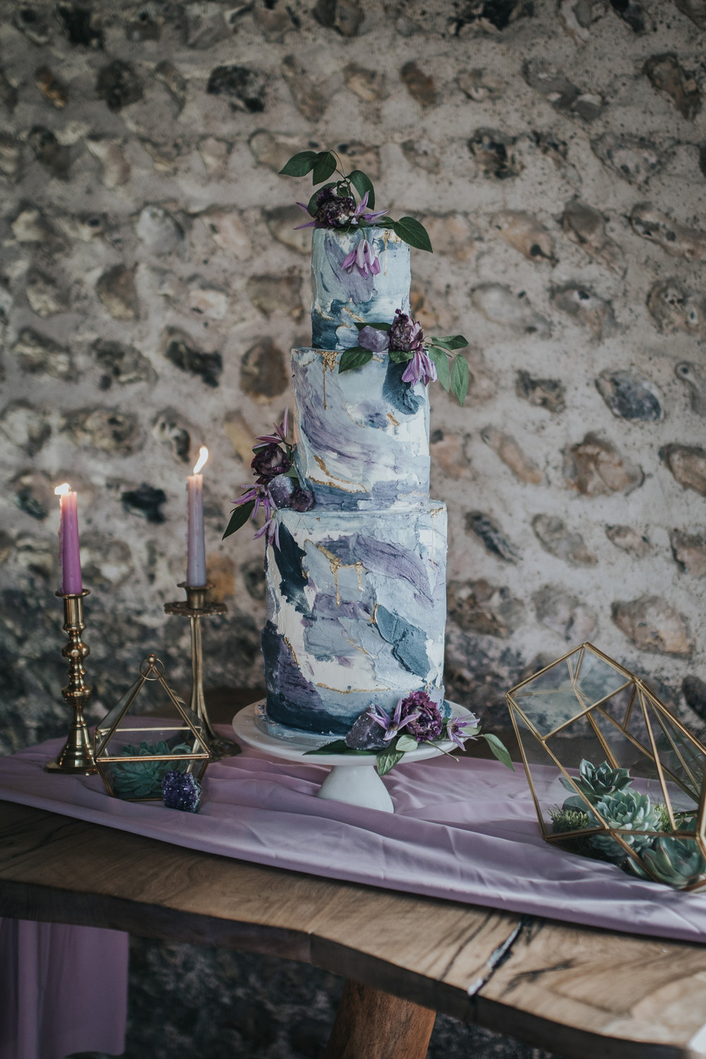 29-Pantone-Ultra-Violet-Elegant-Wedding-Inspiration (1).jpg