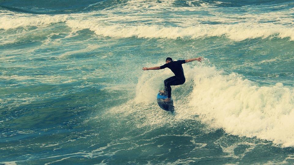 surf-876240_960_720.jpg