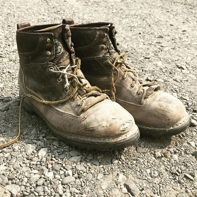 Looking to get your boots dirty? We're hiring! Journeyman positions for experienced carpenters and those willing to learn. Full-time. Family friendly environment! Link in bio!