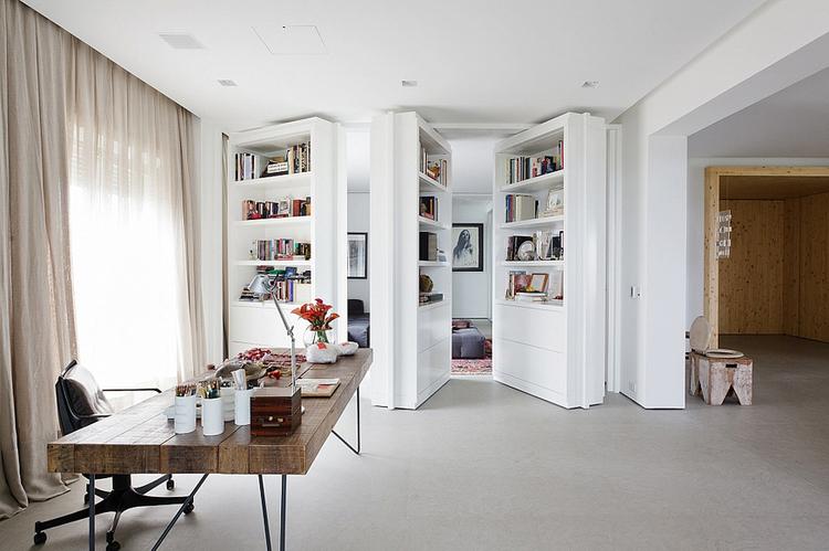... interior-doorway-dpages-l.jpg ...