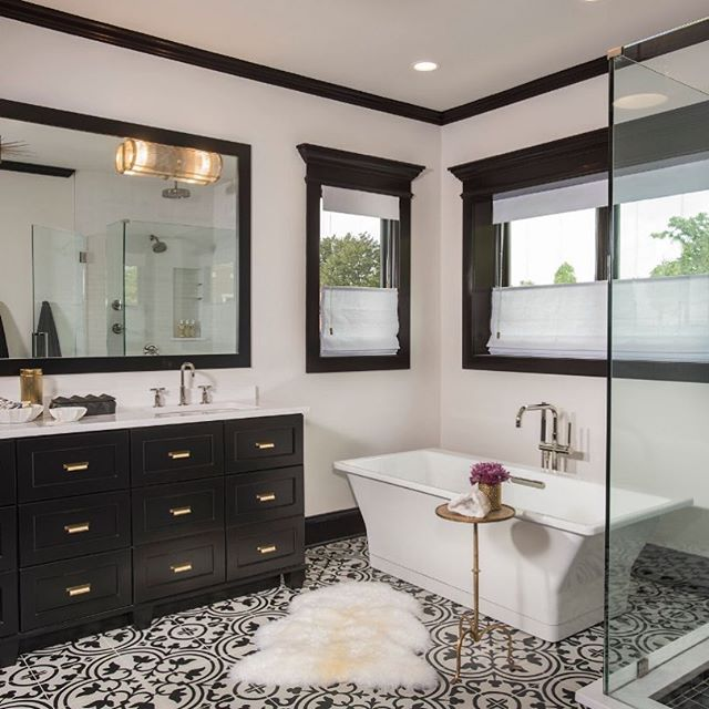 Time to say goodbye to one of our favorite bathrooms. On to the next home!!! Featured by @archdigest 📸 by #nicknovelli #bathroomdesign #DMID #clientproject #blackandwhite #concretetiles