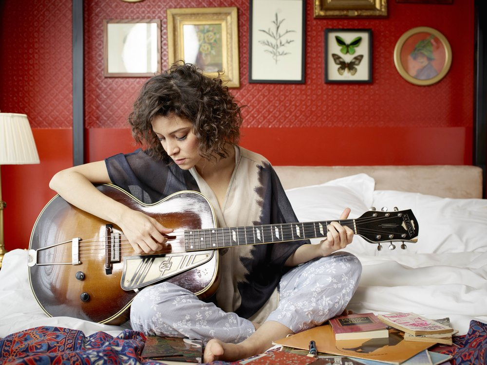 03_Gaby_Moreno_Bedroom_0421.jpg