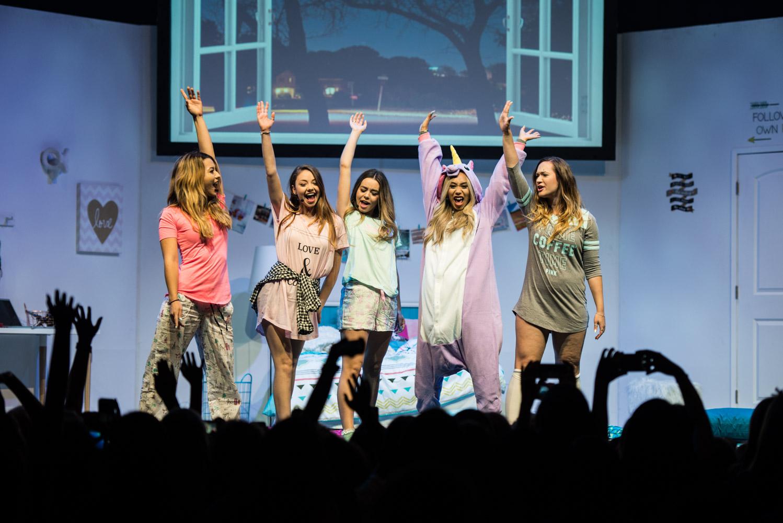 Девочки с членами смотреть бесплатно фото 6-585