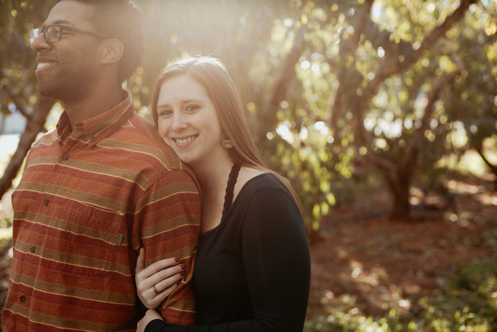 Charlottesville-Fall-Engagement-Photos_002.jpg