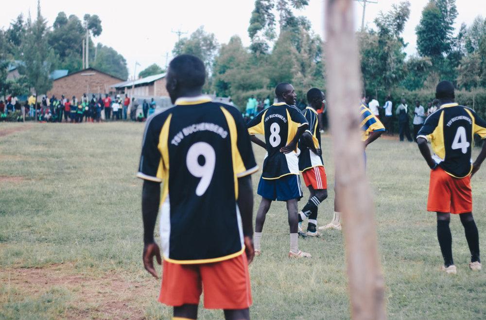 kenya-journals-kids-18-crossbar.jpg