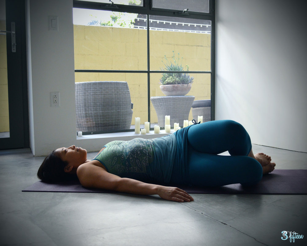 30Fifteen-studio-yoga-supine-twist