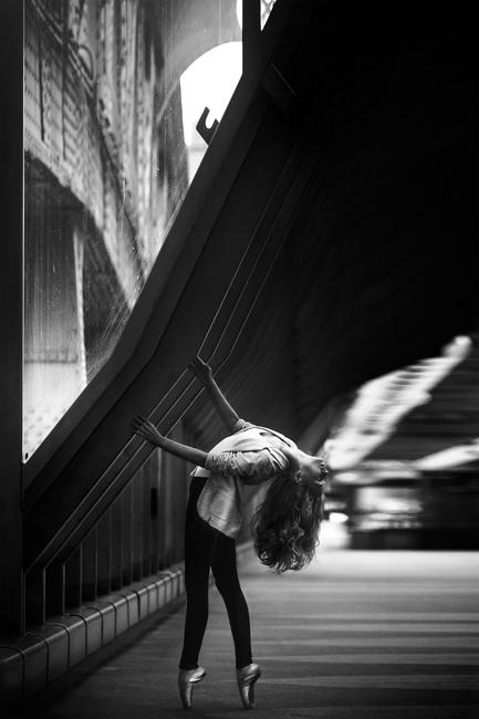 30Fifteen-Dancer