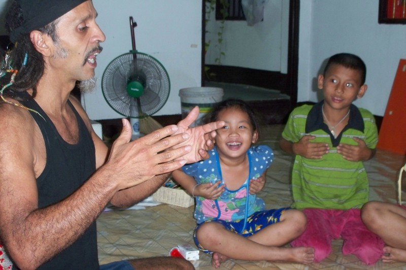 Fantuzzi and kids 1.JPG