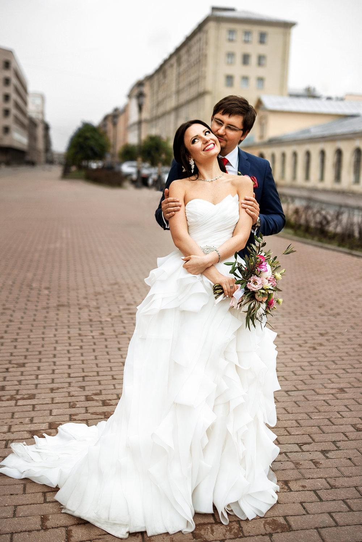 счастливые жених и невеста Санкт-Петербург