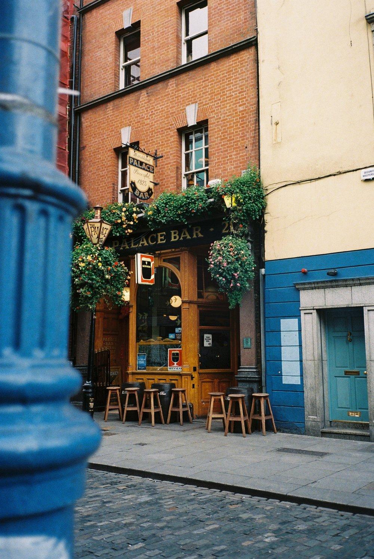Palace Pub.jpg