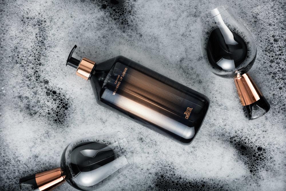 washing-tom-dixon-soap-costmetic-design-products_dezeen_2364_col_2.jpg
