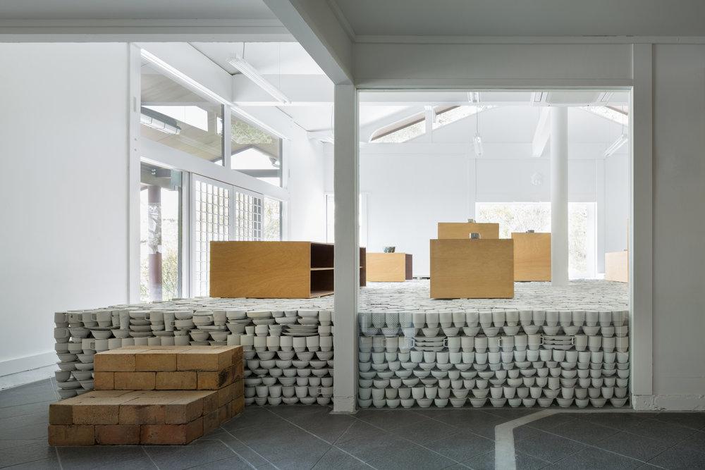 Maruhiro Ceramics store, Hasami