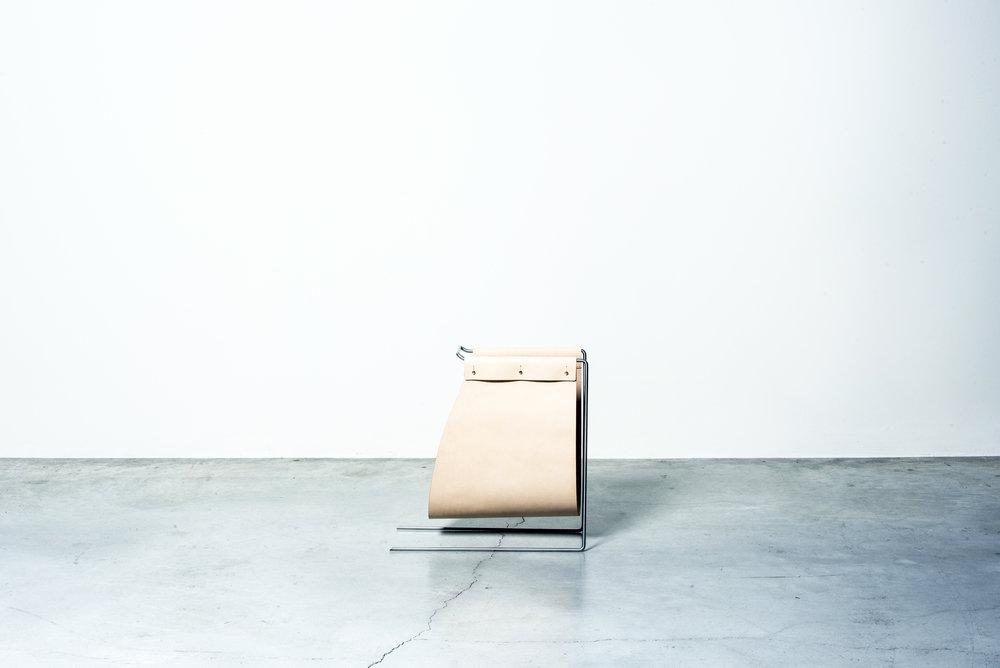 MOJ18_Atelier LAVIT - VENEZIA magazine rack Nilufar Gallery 1 ©DanieleIodice.jpg