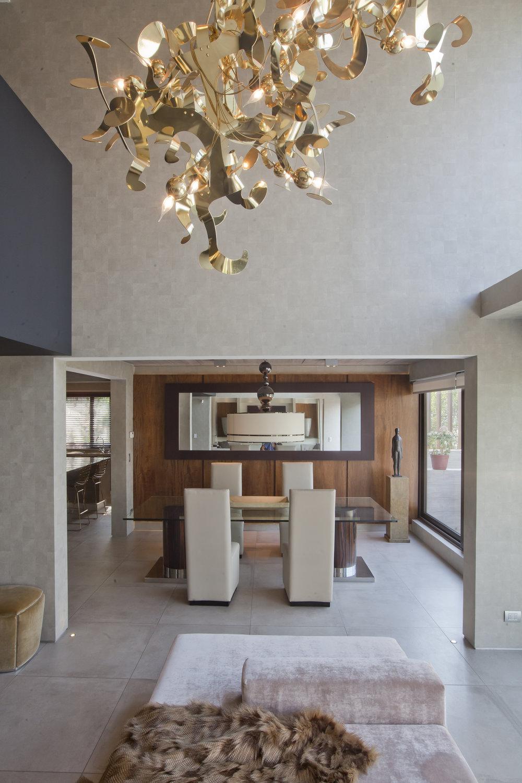 brandvanegmond-kelp-composition-brass-finish-william-brand-lighting-designer-project-estudio-jorge-fuentes-chile (3).jpg