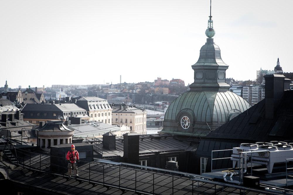 tuukka_ervasti-rooftop_hiking-602.jpg