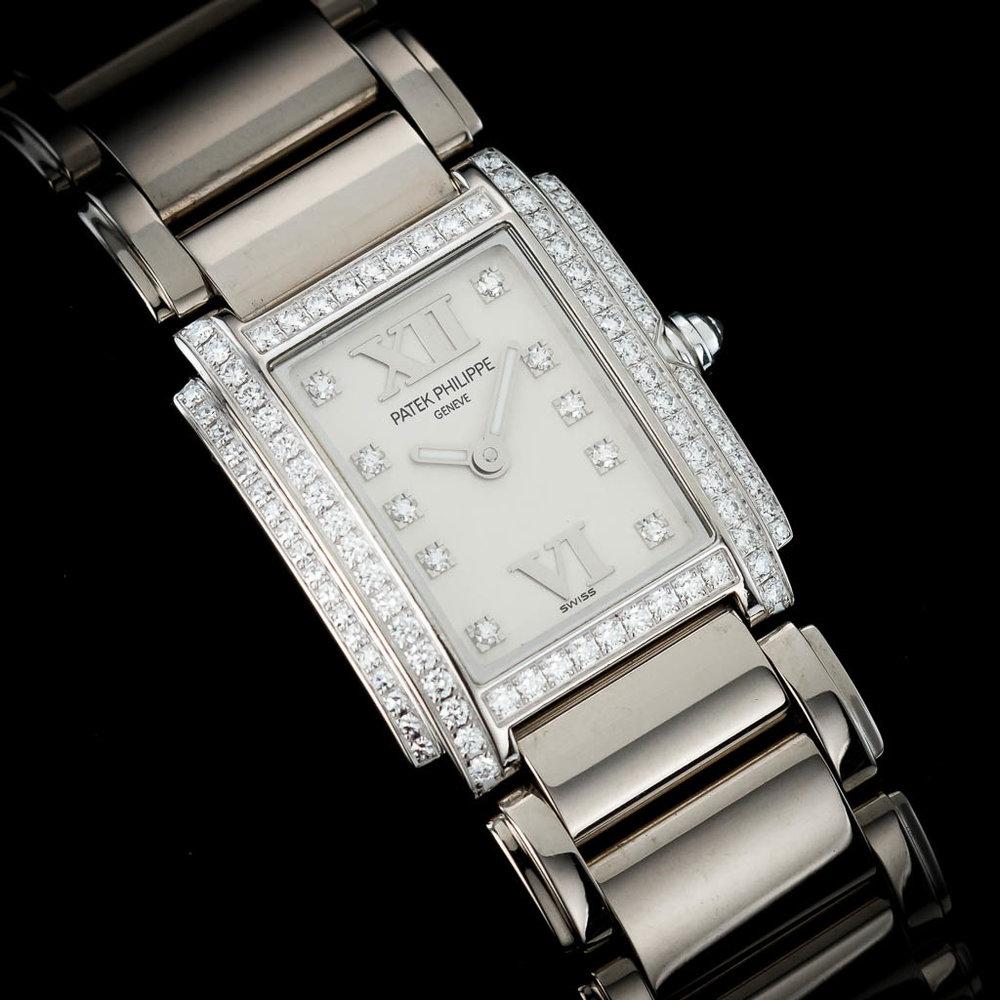 15-regaltime-london-dealer-PATEK-PHILIPPE-TWENTY-4-WHITE-GOLD-4908-200G-011-02.jpg