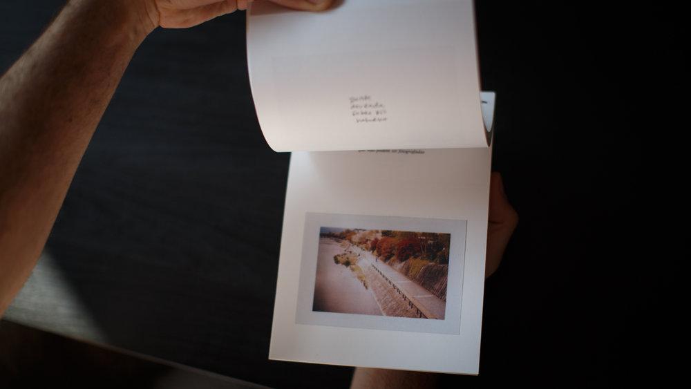 livro_ponte_dourada_sobre_rio_noturno-17.jpg
