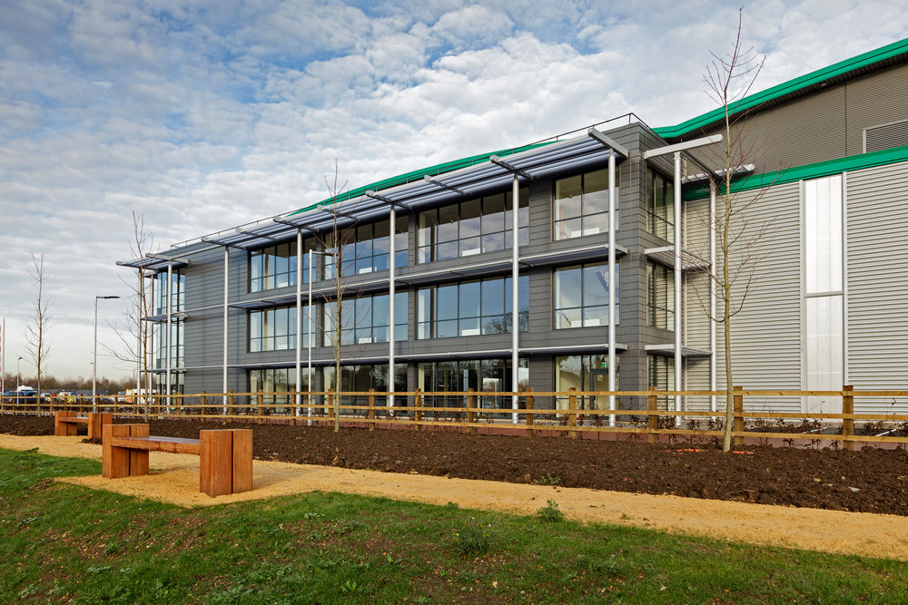 Prologis-Park-West-London_DC2_External_0004_141216.jpg
