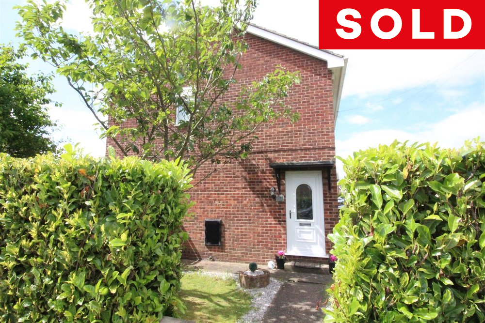 LOVELY SEMI DETACHED HOME IN POPULAR SUTTON PARK LOCATION