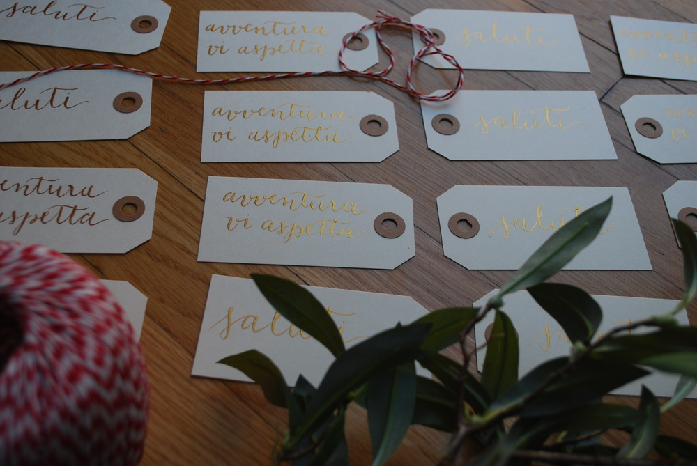 How darling are these flea market tags from Paper Source? Used with gold watercolor and straight pen.