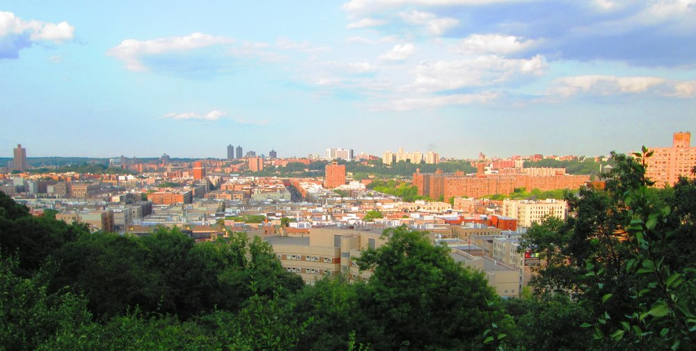 2014_Fort_Tryon_Park_tour_view_of_Inwood_Lowlands.jpg