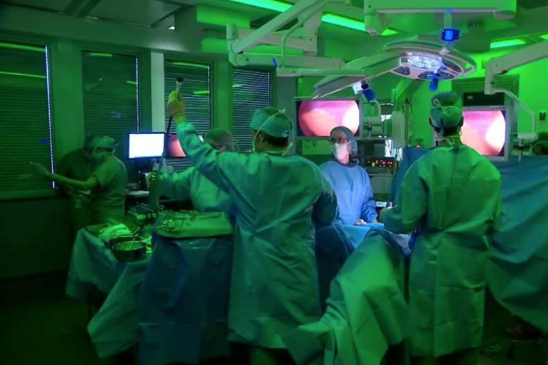 Festival du Film Médical de Québec - Assister à une opération chirurgicale en direct pour démocratiser la médecineTVA Nouvelles / August 2017