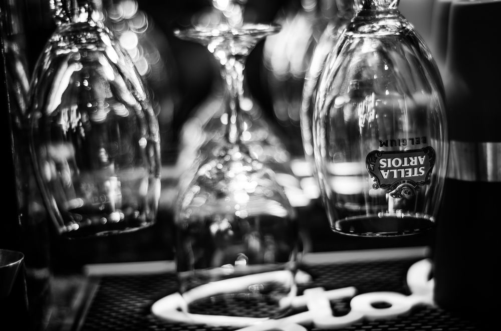 Denver-Barber-Lounge-Complimentary-drinks