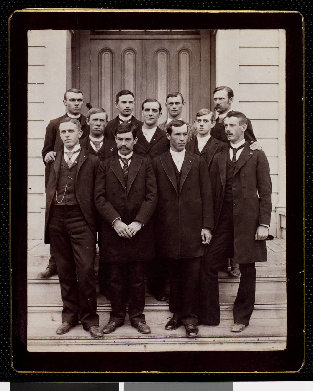 usc_sigma_chi_fraternity_brothers_ca-_1890_uaic-fra-1880-1920-0011.jpg
