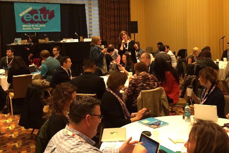 Melissa presenting on #onlinelearningdesign at SXSWEDU 2015.