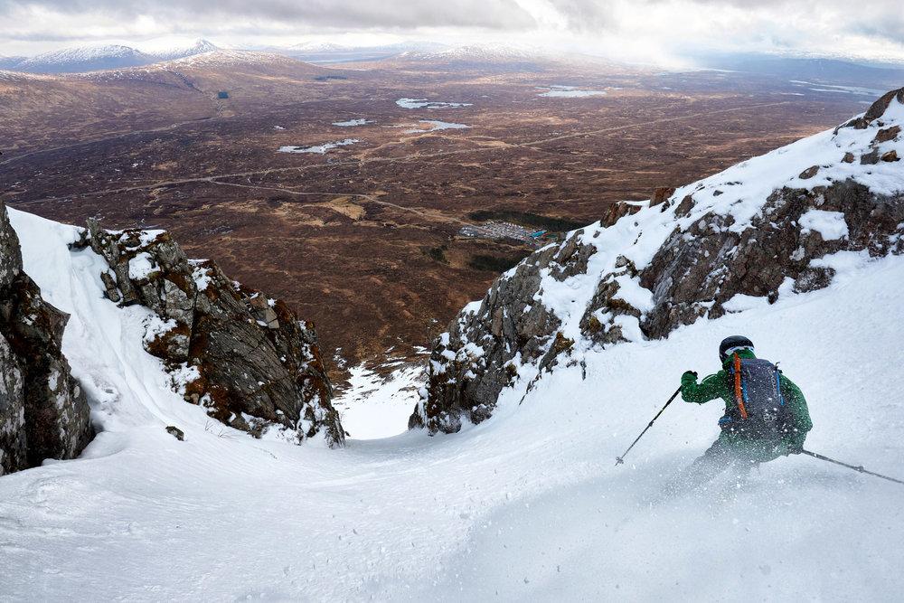 Dave Anderson skiing the Creag Dhubh chute at Glencoe