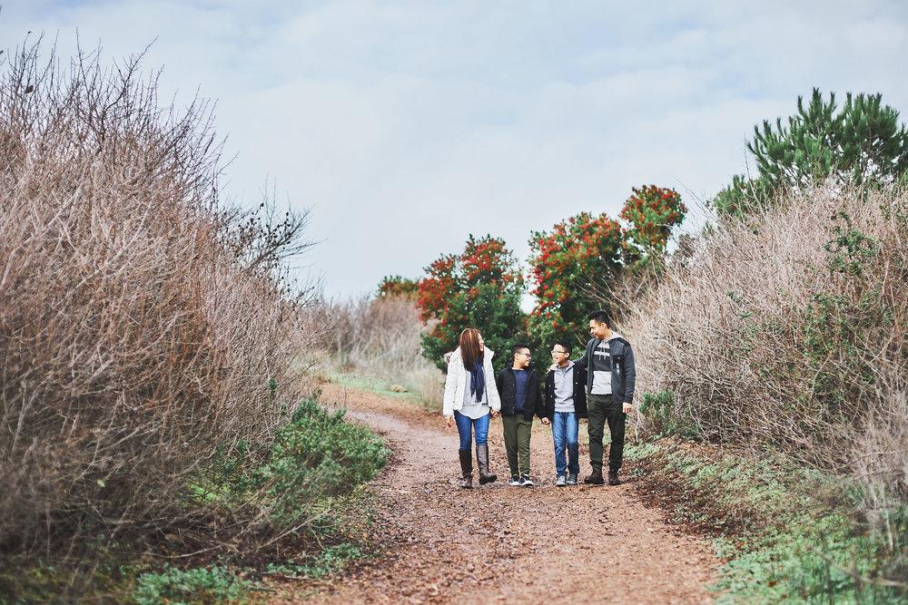 12-11-16_0103_chan_family.jpg